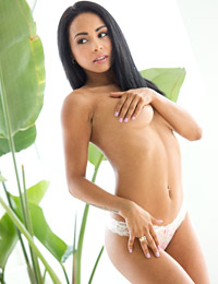 Gulliana alexis pulls off her panties on a couch